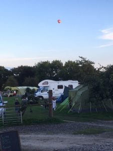 camping aug eve baloon